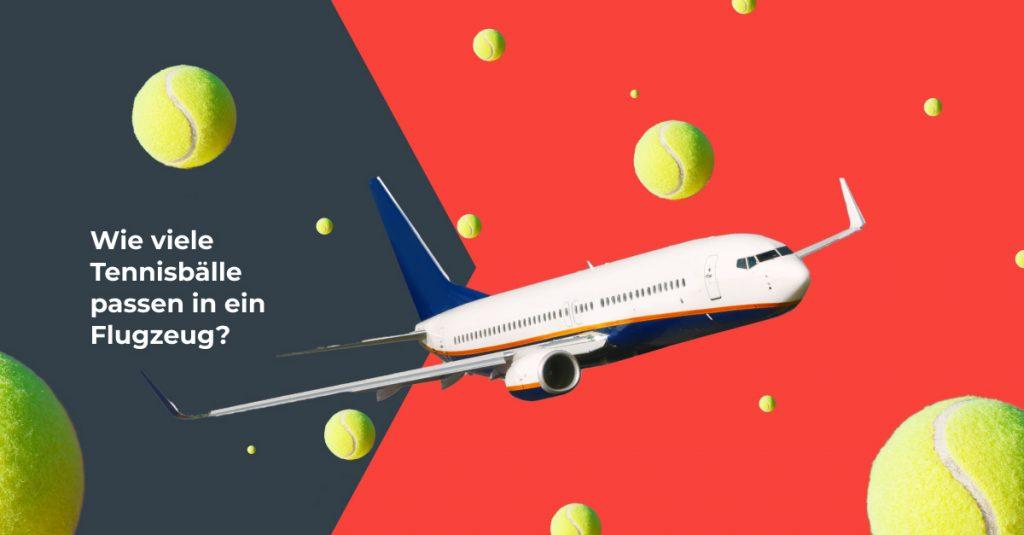 fliegendes Flugzeug mit Tennisbällen
